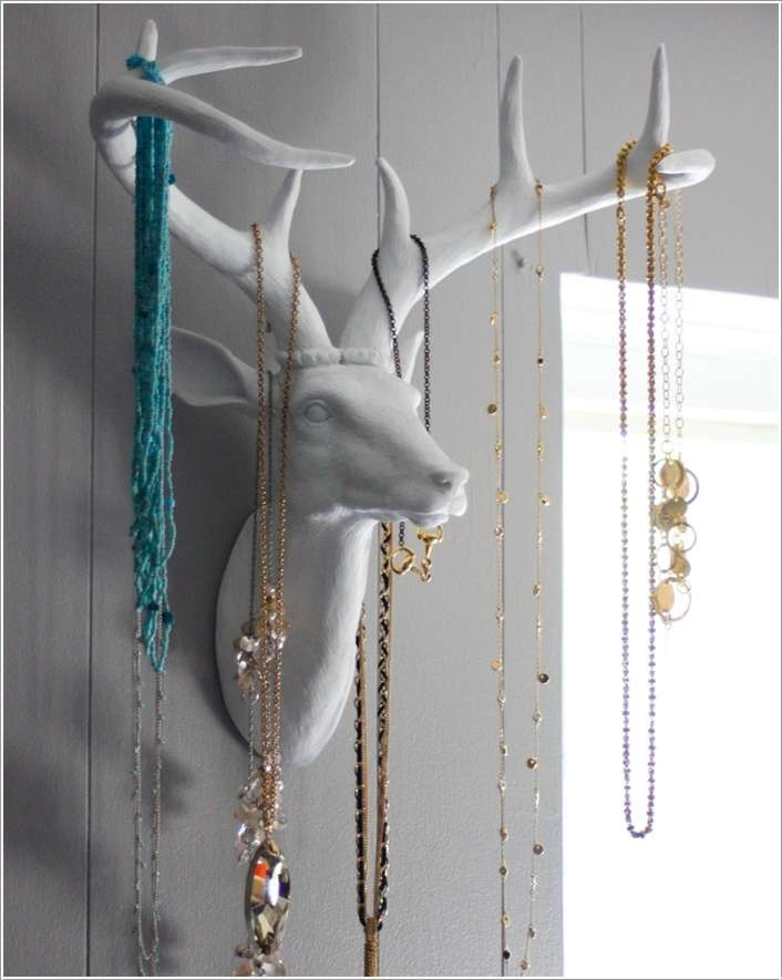 3  15 Creative Ideas to Store and Organize Your Necklaces 330