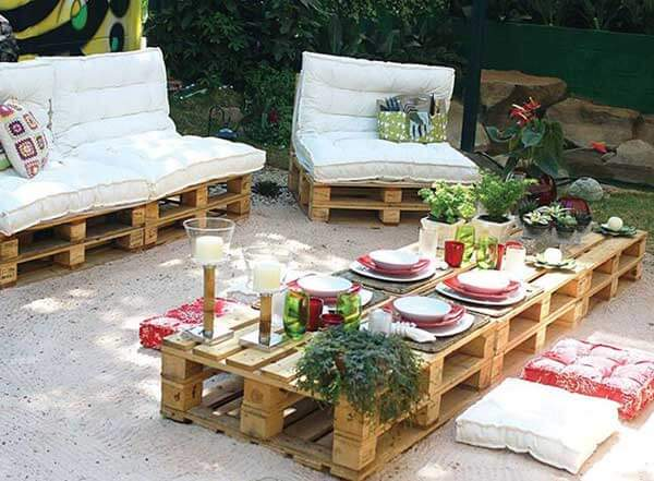 A Cozy Pallet Patio