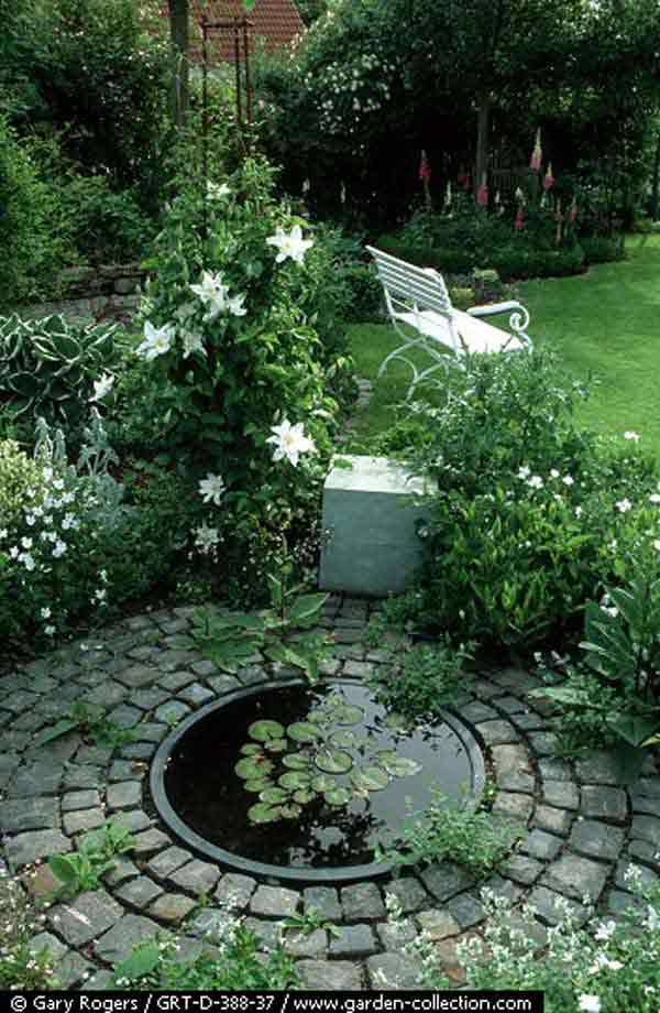 16 impressive diy backyard ponds ideas for Garden mini pool