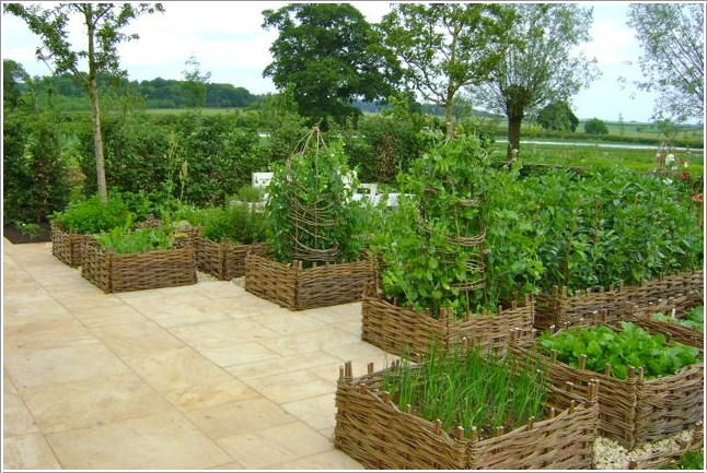 11  15 Stylish Raised Bed Ideas for No Grass Outdoor Areas 112