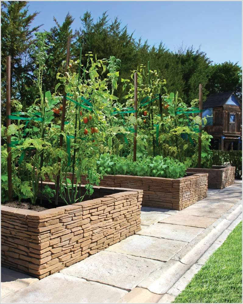 7  15 Stylish Raised Bed Ideas for No Grass Outdoor Areas 731