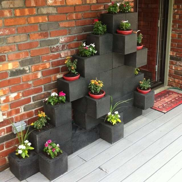 10 awesome ideas to design a cinder block garden for The block garden designs