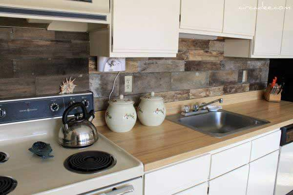 kitchen backslash  12 Cool DIY Kitchen Pallets Ideas That You Have To Try kitchen backslash
