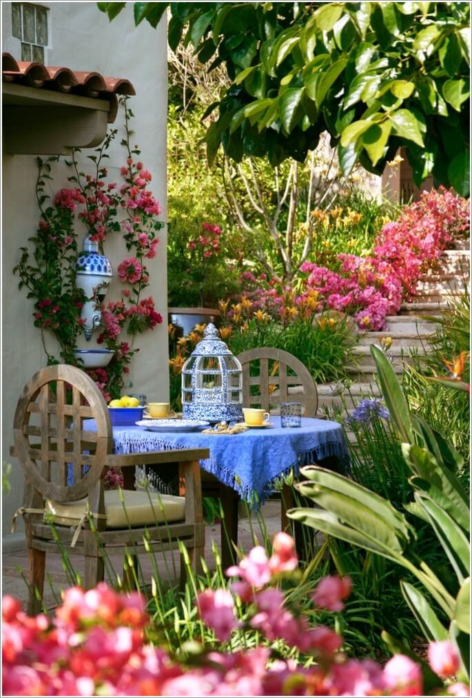 Decorate and Liven Up The Wall of Your Side Yard 10