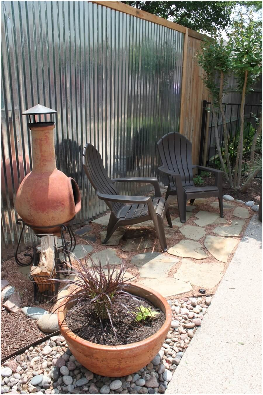 Decorate and Liven Up The Wall of Your Side Yard 6