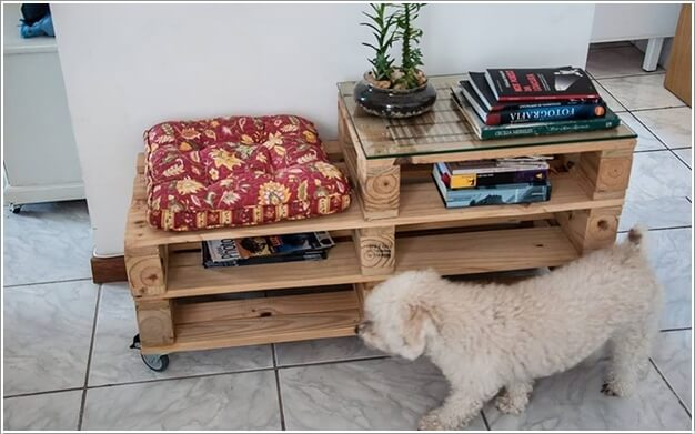 Make Furniture for Your Living Room with Pallets 2