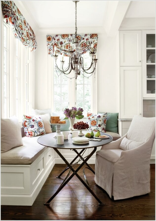 10 Ways to Decorate Your Home with Corner Benches 5