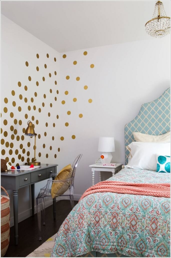 Decorate Your Bedroom Wall In A Creative Way 9