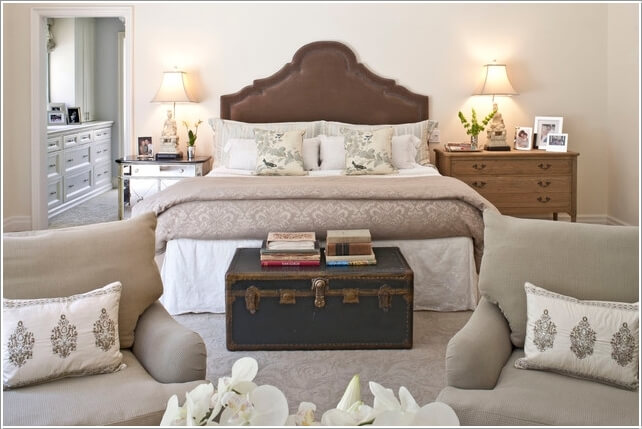 Take a Look At These Chic Bed Bench Alternatives 14