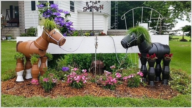 10 Cool Clay Pot Garden Crafts for You to Try 1