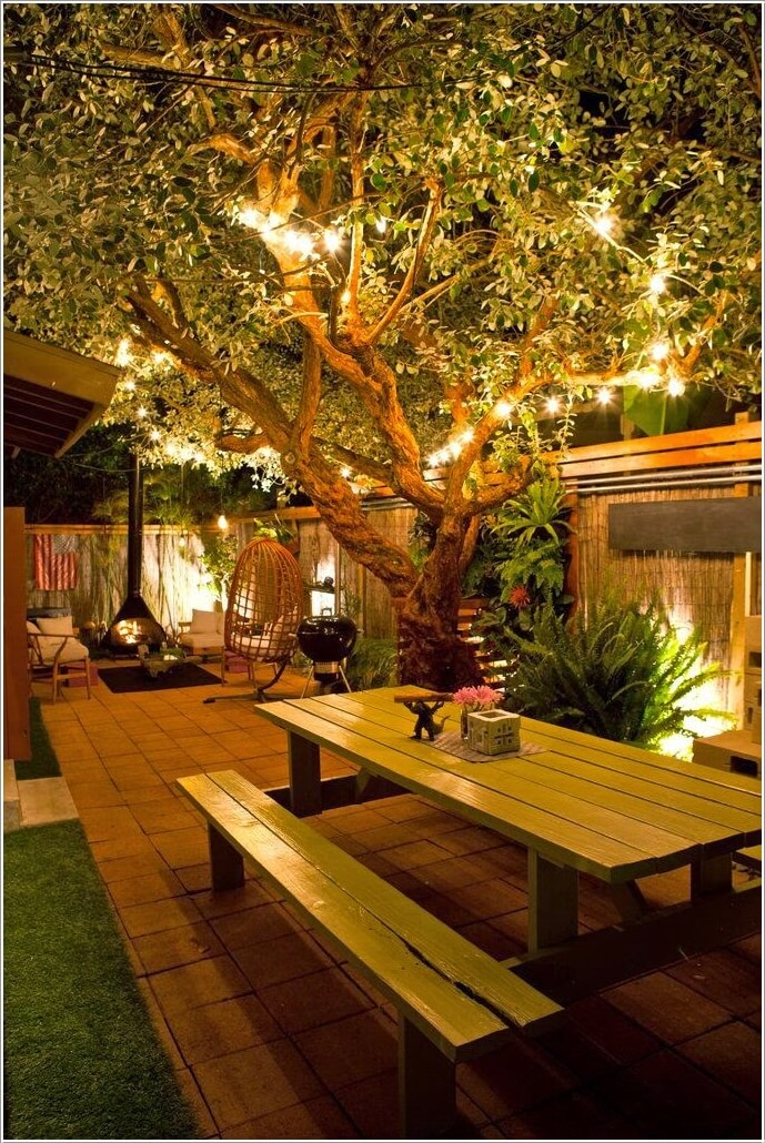 10 Wonderful Ideas to Decorate An Outdoor Tree 6