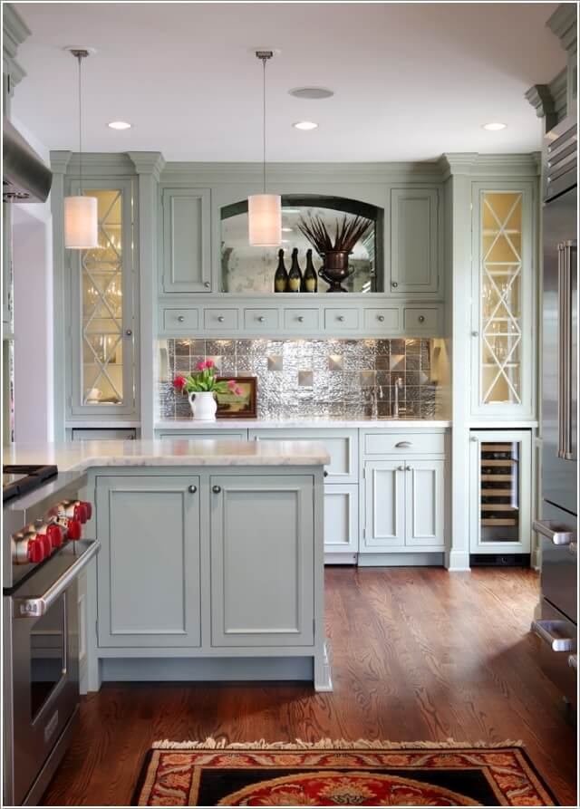 10 Chic Ways to add Metallic Accents to Your Kitchen 2