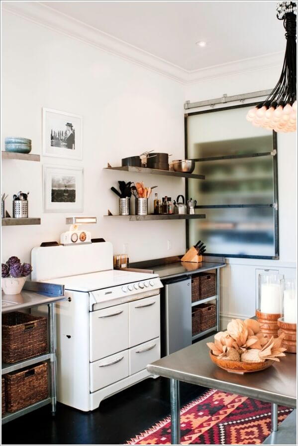 10 Chic Ways to add Metallic Accents to Your Kitchen 4