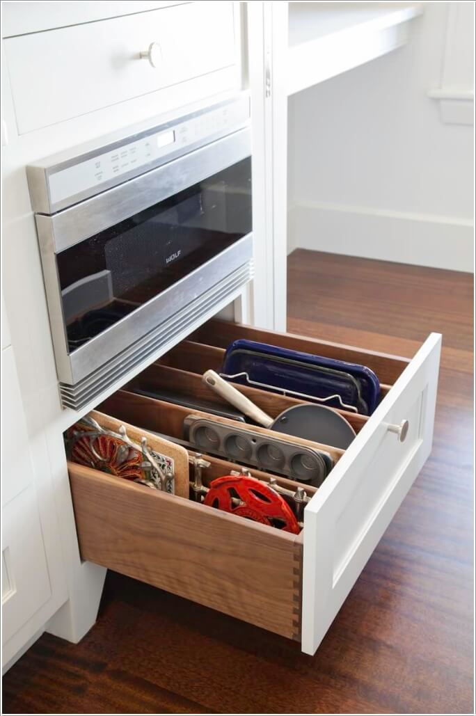 10 Clever Ways to Divide Your Kitchen Drawers 1