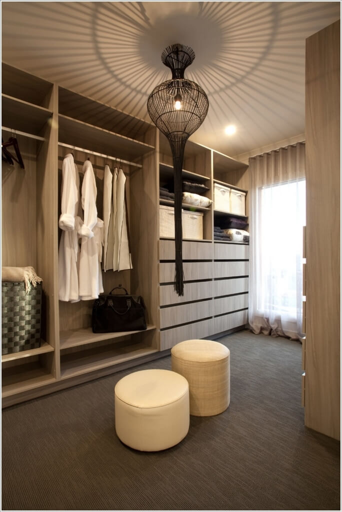 10 Cool Seating Ideas For Your Walk In Closet