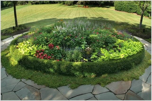 10 Things to Use for Making a Round Garden Bed 2