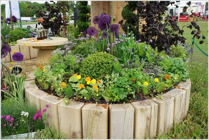 10 things to use for making a round garden bed for Round garden designs