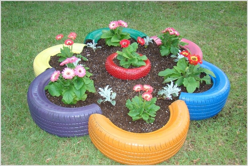 10 Things to Use for Making a Round Garden Bed