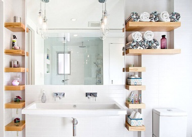 Open-shelving-bathroom-storage