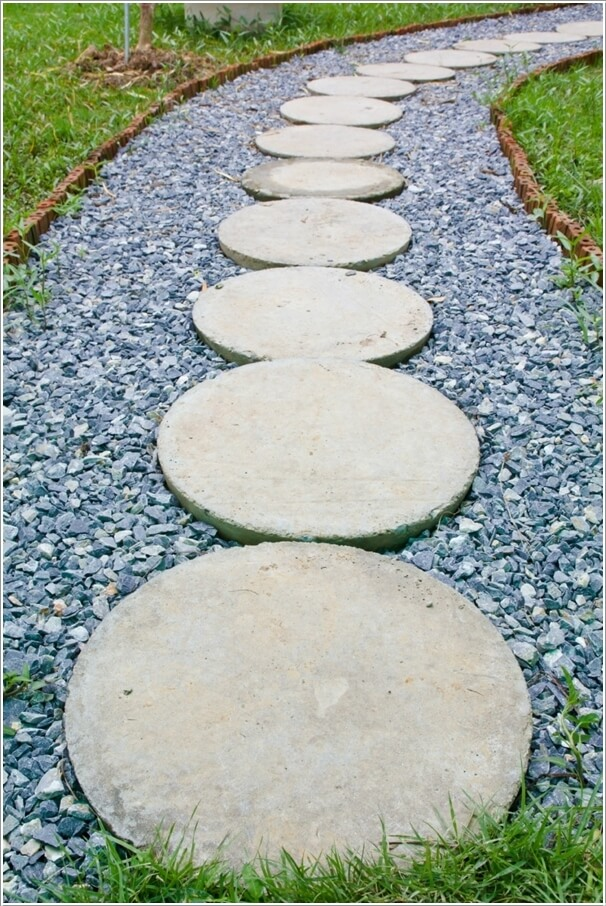 10 cool garden walkway and stepping stone combos Round wooden stepping stones