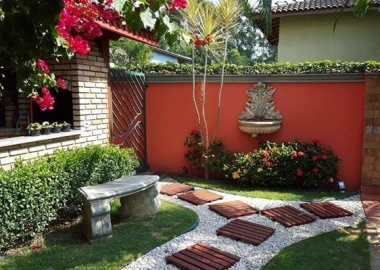 10 Cool Garden Walkway and Stepping Stones Combos fi