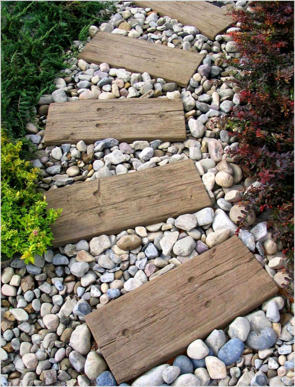 10 cool garden walkway and stepping stone combos for What are river stones