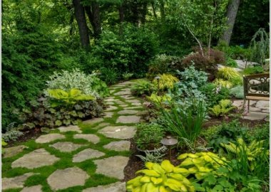 10 Cool Garden Walkway and Stepping Stones Combos 6