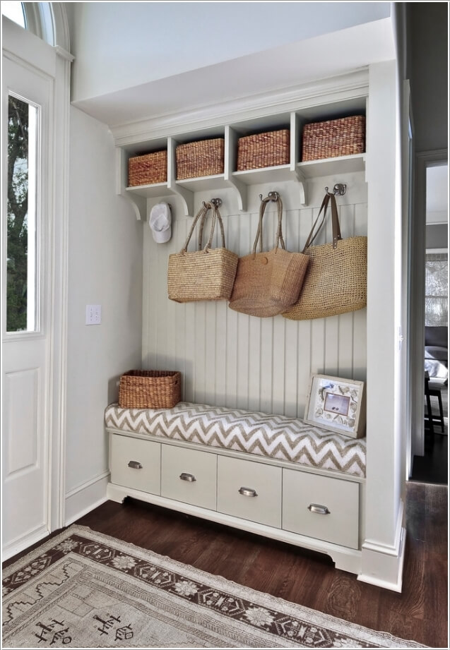 10 Chic Seating Options for Creating a Welcoming Entryway 4