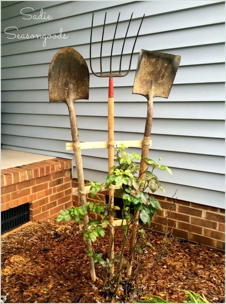 10 Easy Yet Beautiful DIY Garden Trellis Projects 2