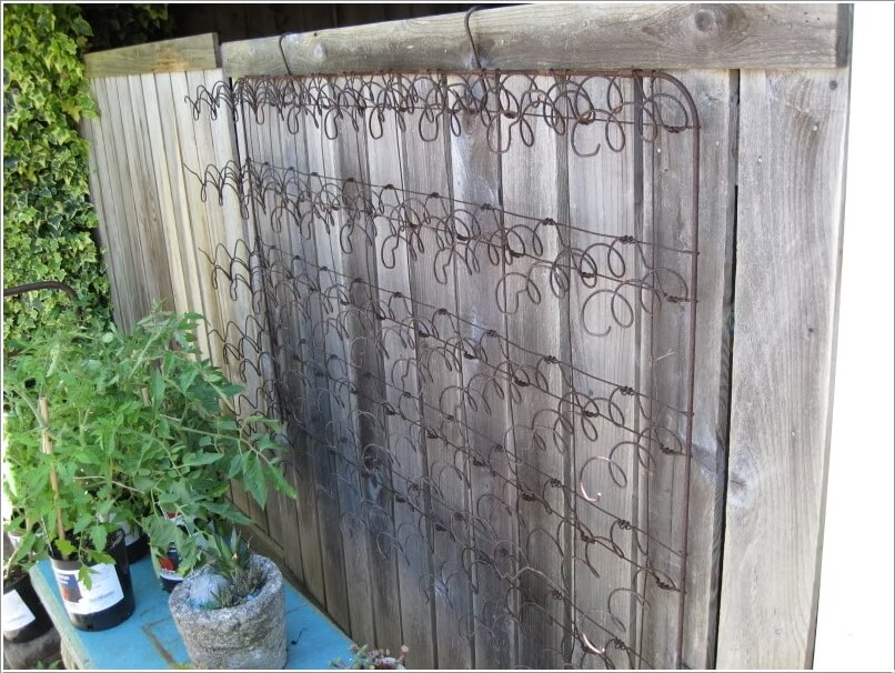 10 Easy Yet Beautiful DIY Garden Trellis Projects 8