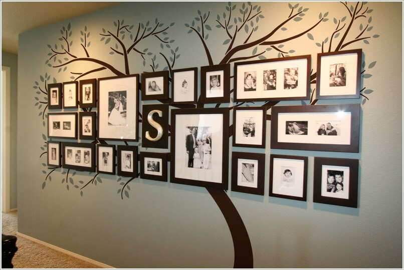 10 Cool Ways To Decorate Your Walls With Family Photos 1
