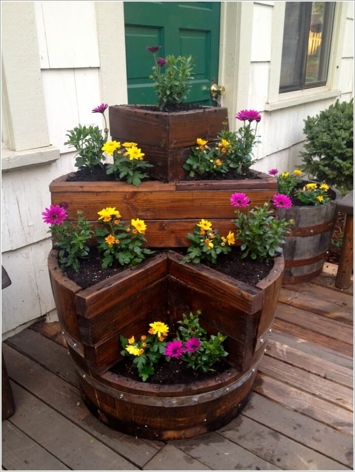 10-amazing-wine-barrel-projects-for-your-garden-10
