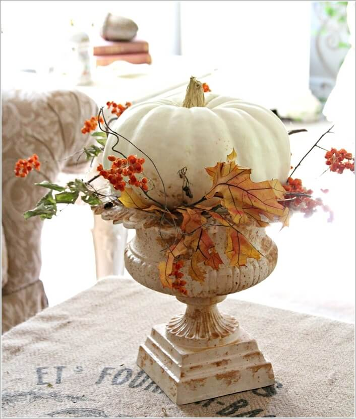 10-creative-ways-to-craft-pumpkin-centerpieces-this-fall-8