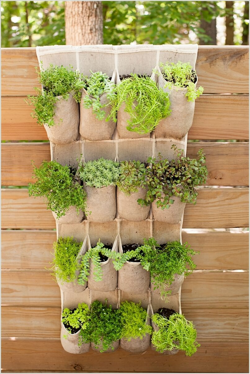 10-terrific-planter-ideas-to-decorate-your-fence-with-6