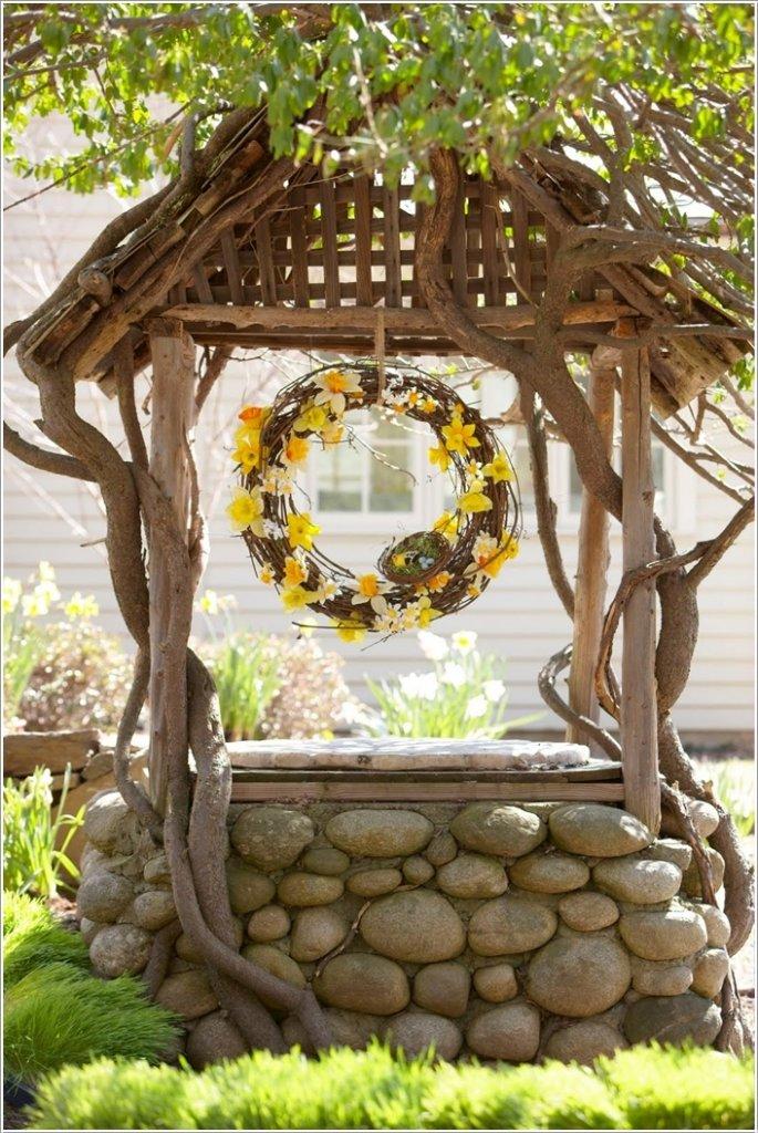 Декор колодца камнями
