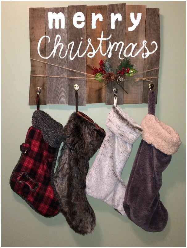 10-creative-pallet-christmas-decorations-to-try-this-year-7