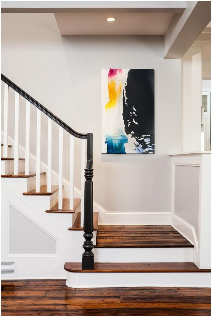 10-artistic-ways-to-decorate-your-staircase-area-9