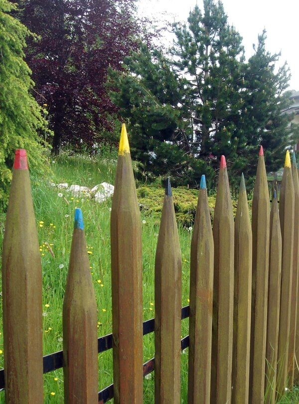 10 Creative See Through Fence Ideas For Your Garden