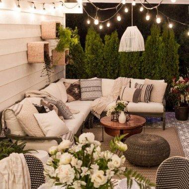 10 Wonderful DIY Outdoor Planter Shelves f
