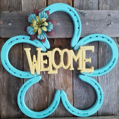 10 Wonderful DIY Welcome Signs for Your Front Door or Porch fi