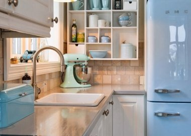 Take a Look at These Retro Kitchens fi