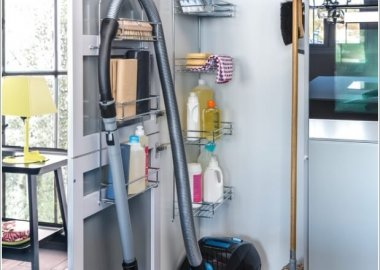 Vacuum Cleaner Storage Ideas 1