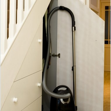 Vacuum Cleaner Storage Ideas 2