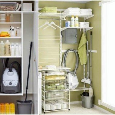 Vacuum Cleaner Storage Ideas 4