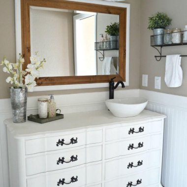 Ways to Update Your Home with Vintage Painted Furniture fi