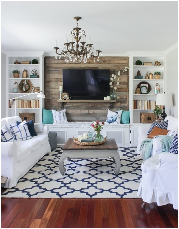 2. Make An Accent Wall Behind The TV Screen With Reclaimed Wood