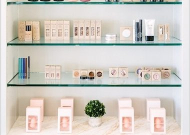 Decorate You Home with Glass Shelves 4
