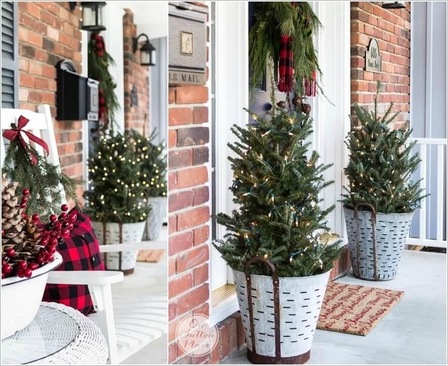 15 Front Entry Christmas Decor Ideas