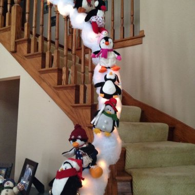 10 Fun and Creative Christmas Garlands