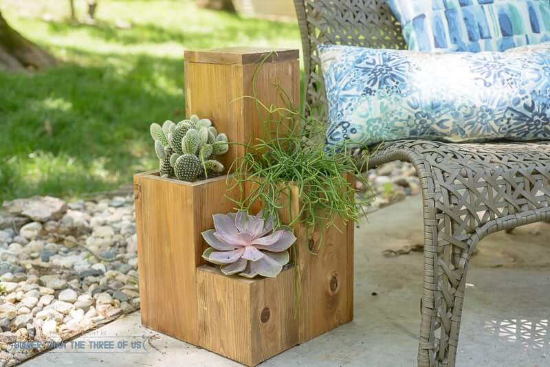 Planter tables